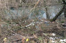 Malý Dunaj, Slovnaft bordel odpadky a skládka
