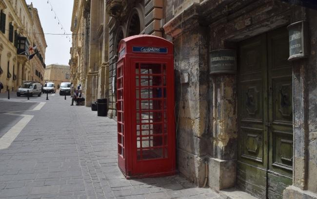 Malta červená telefónna búdka